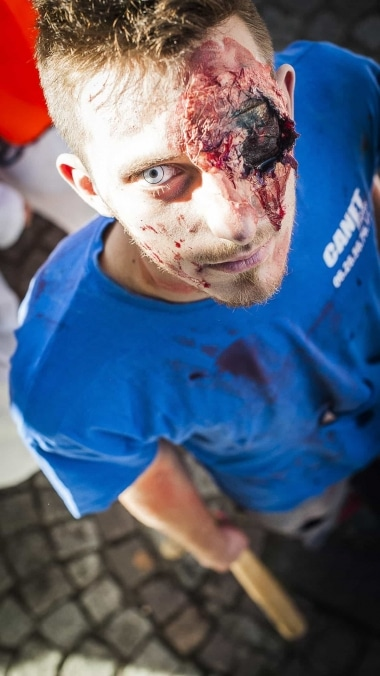 Web-ZombieWalk2014-10