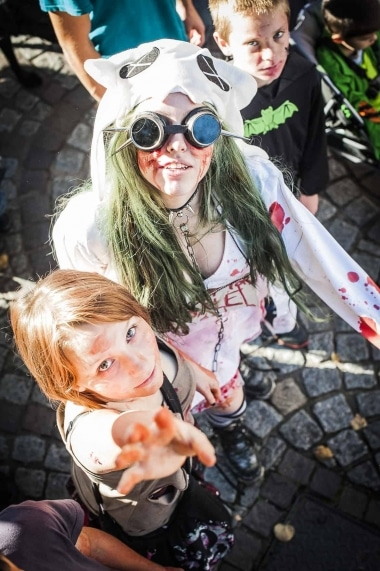 Web-ZombieWalk2014-11