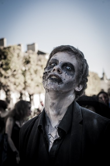 Web-ZombieWalk2014-15
