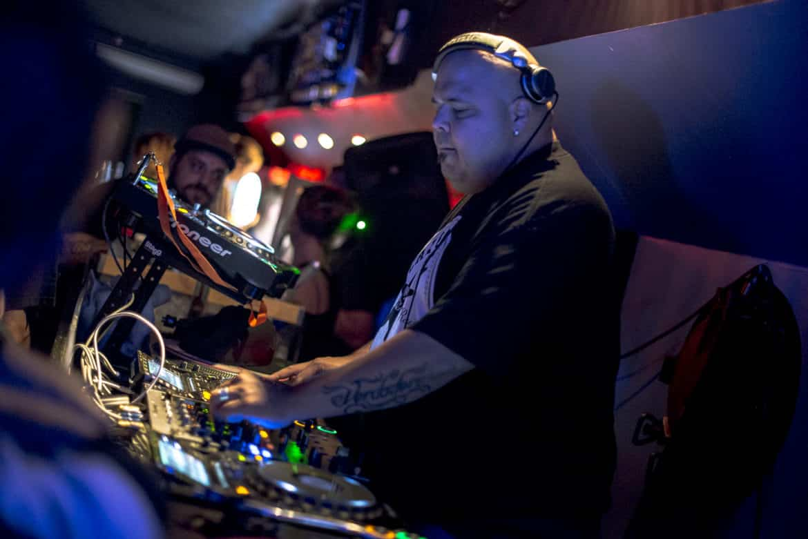 DJ Sneak Electronics