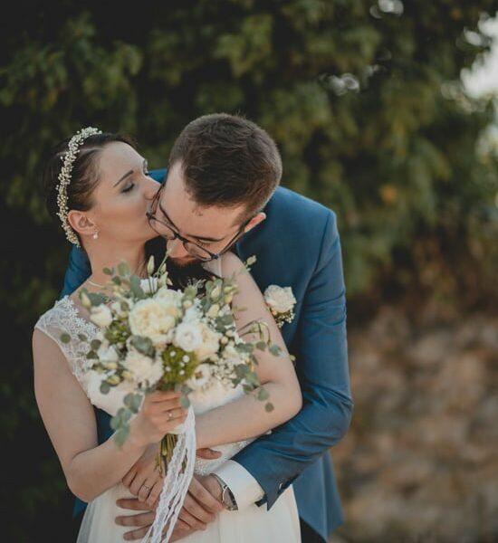 Séance couple durant un mariage
